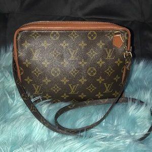Louis Vuitton pochette sport